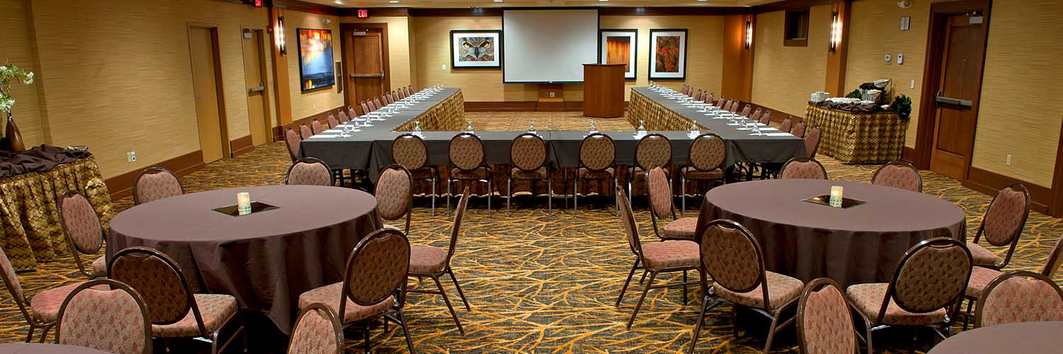 The ideal setting for your Lake George meeting.