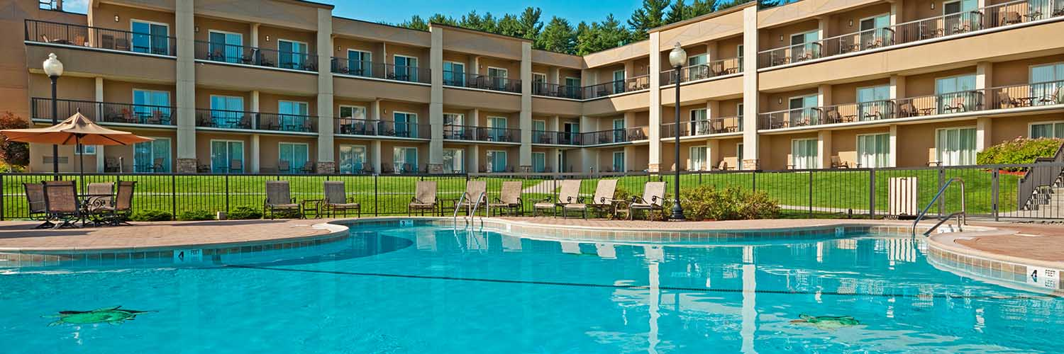 The Queen of Lake George resorts