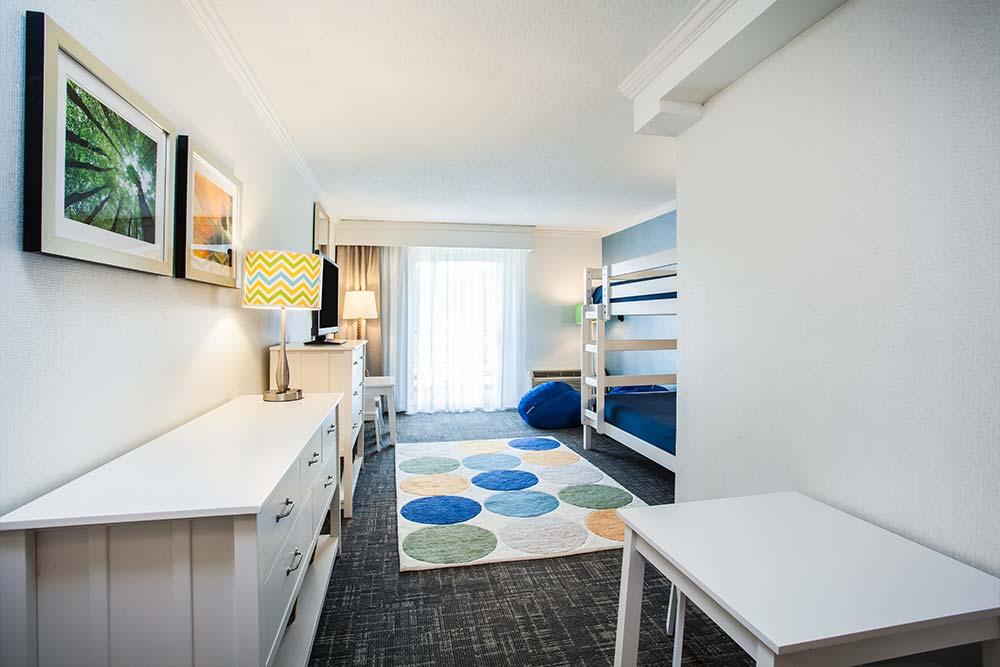 Rooms At The Holiday Inn Resort, A Leader Among Lake
