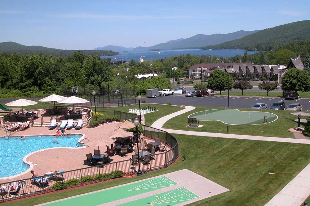 Outdoor Pool and Putting Green